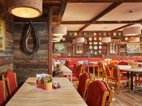 Restaurant am Katschberg mit Sonnenterrasse - Das Alp.IN im Alpenhaus Katschberg